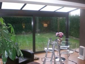 Galería de aluminio con techo de cristal